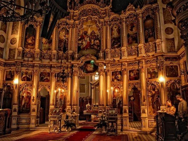 Reprezentantii Mitropoliei Moldovei vor viziona luni inregistrarea cu care a fost santajat episcopul Husilor
