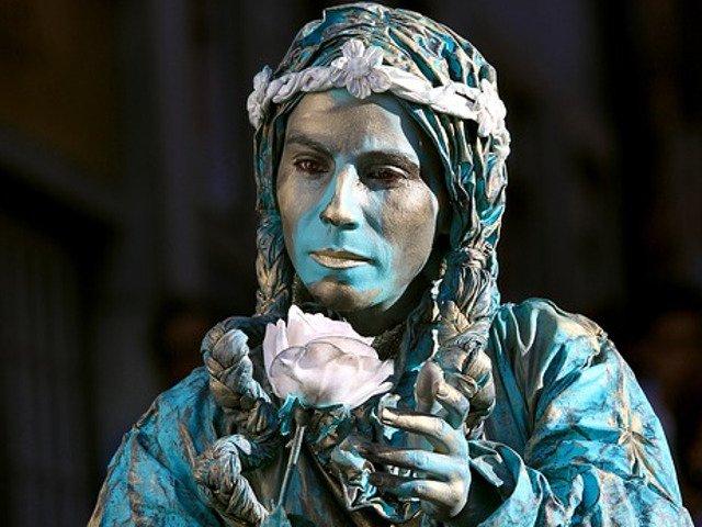 Artisti care dau culoare strazilor! Top 10 cele mai convingatoare statui vii