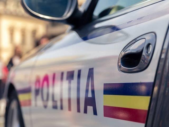 O femeie a murit, un copil este in stare critica, iar alte trei persoane au fost ranite intr-un accident petrecut in judetul Galati