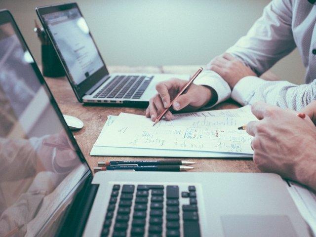 USR: Cresterea salariului minim din 2018 ascunde mutarea contributiilor sociale la angajat