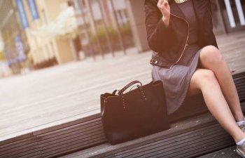 8 obiecte pe care le gasesti in geanta oricarei femei