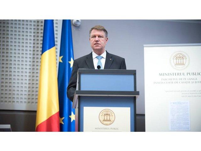 Iohannis cere reexaminarea legii prin care Avocatul Poporului primeste pensie speciala: E un privilegiu nejustificat