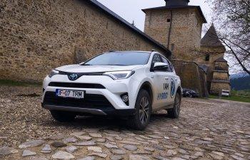 GALERIE FOTO. Toyota Rav4 Hybrid inveleste puterea in serenitate