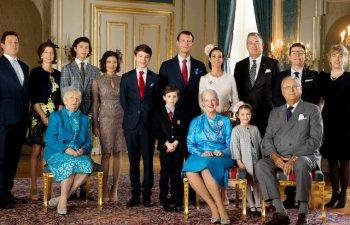 10 imagini cu familii regale din toata lumea