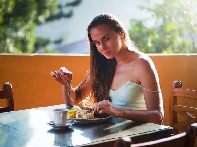 7 alimente care incetinesc metabolismul. Uite cu ce sa le inlocuiesti