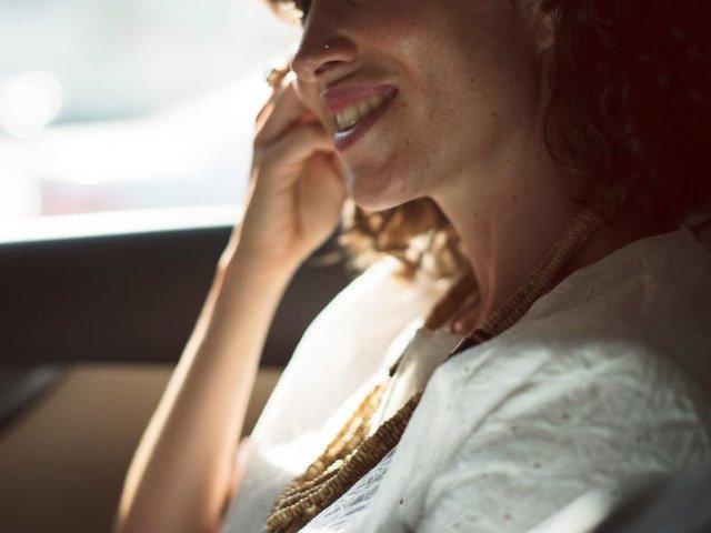 9 trucuri care te vor ajuta sa faci fata caniculei si sa-ti recapeti energia in 5 minute