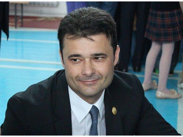 Un primar si-a propus sa impoziteze Palatul Parlamentului