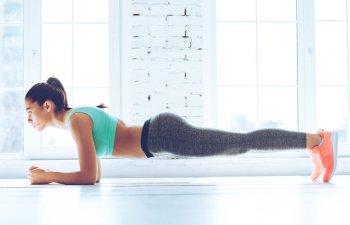 Ce se intampla in corpul tau daca faci exercitiul plansa in fiecare zi