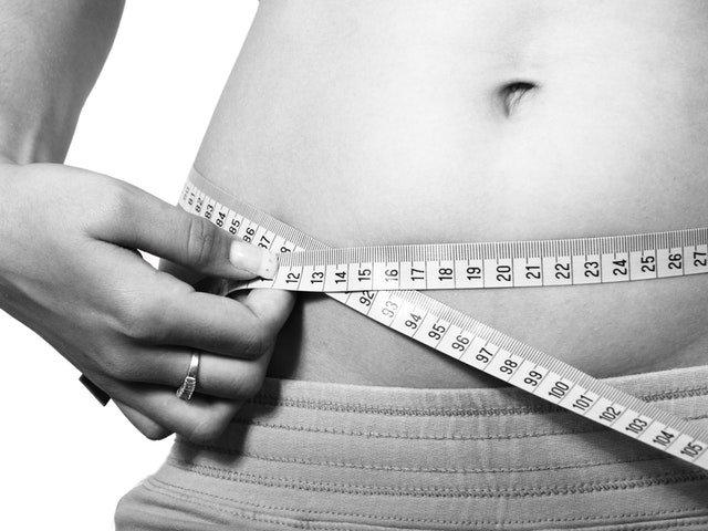 5 schimbari simple care te scapa de grasimea de pe abdomen, dovedite de stiinta