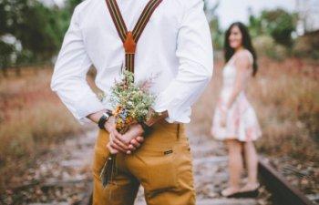 Ai o relatie la distanta? Respecta aceste 9 reguli daca vrei sa functioneze