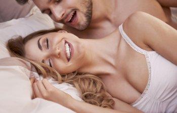 6 lucruri pe care cuplurile fericite le fac mereu inainte de culcare