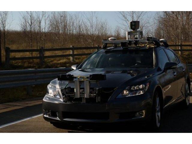Japonezii nu se grabesc: Toyota si Lexus nu vor oferi sisteme autonome avansate pana in 2020