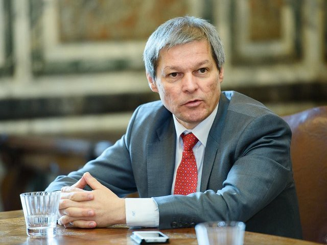 Dacian Ciolos: Platforma Romania 100 se alatura cetatenilor care protesteaza pasnic impotriva propunerilor legislative publicate de MJ