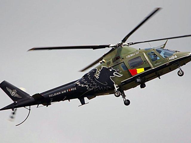 Un pilot a cazut din elicopter in timpul unei demonstratii aeriene