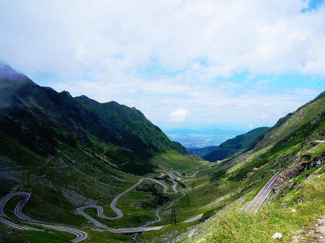 Arges: Traficul pe Transfagarasan, inchis sambata pentru o competitie sportiva, considerata a treia ca dificultate din lume