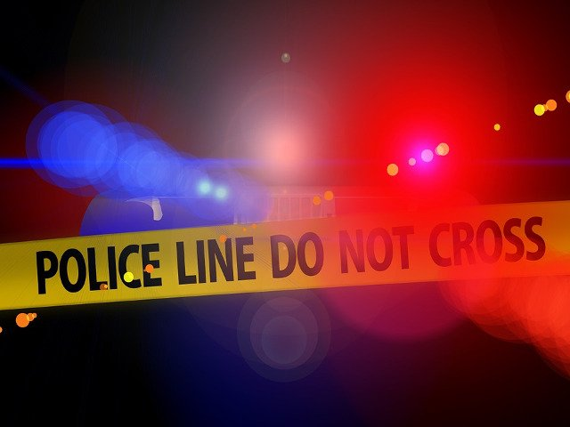 Un elev si-a omorat un coleg de clasa si a ranit alti trei adolescenti in liceu