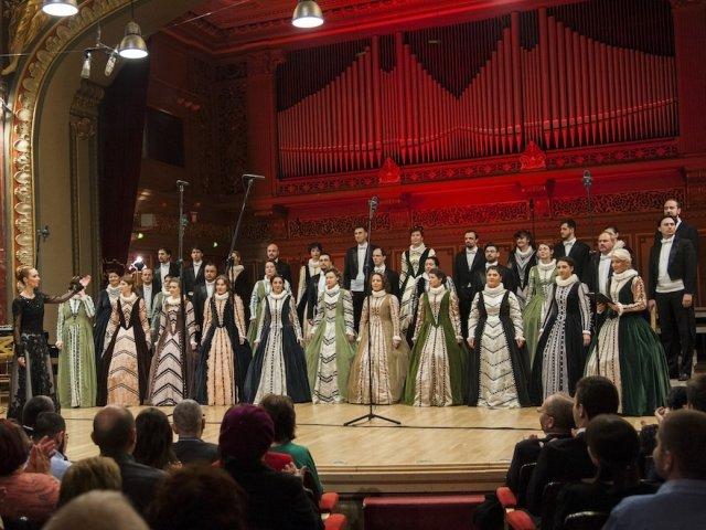 """Corul National de Camera """"Madrigal - Marin Constantin"""" concerteaza la Ateneu, in cadrul Festivalului George Enescu"""