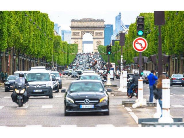 Franta anunta noi bonusuri pentru renuntarea la masinile poluante: pana la 2.000 de euro, inclusiv la cumpararea de masini second-hand