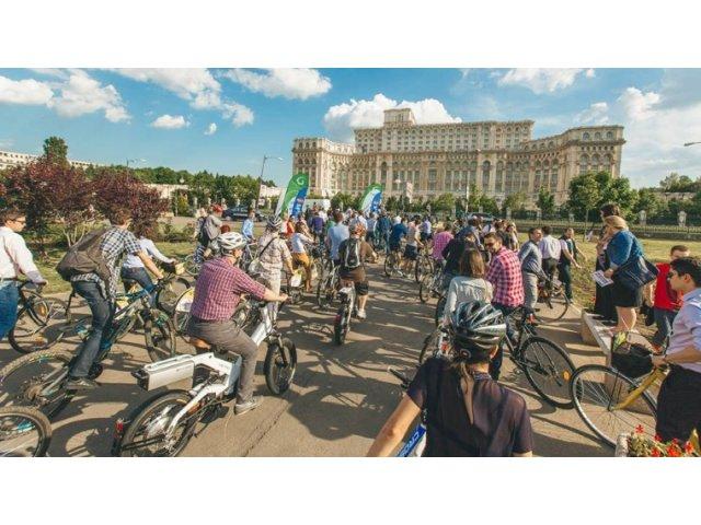 Business pe Bicicleta, editia cu numarul 11: Get a Suit & Ride a Bike (P)