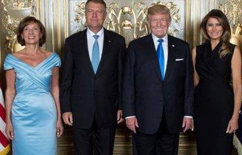 Presedintele Klaus Iohannis si sotia sa s-au fotografiat alaturi de Melania si de Donald Trump