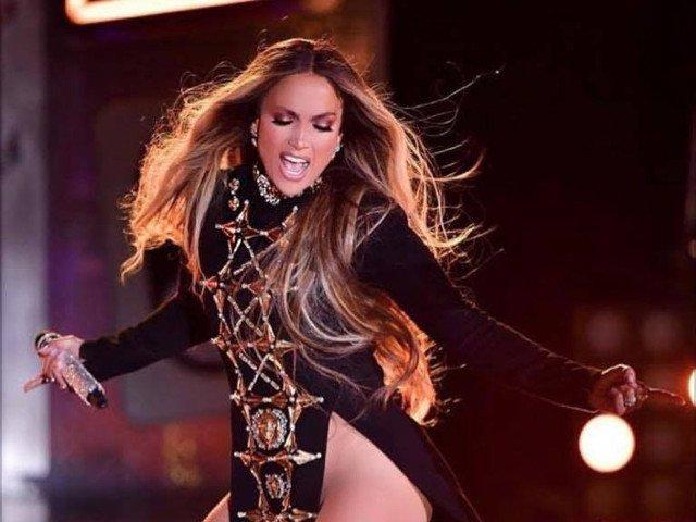Jennifer Lopez va dona 1 milion de dolari pentru ajutorarea victimelor uraganului Maria