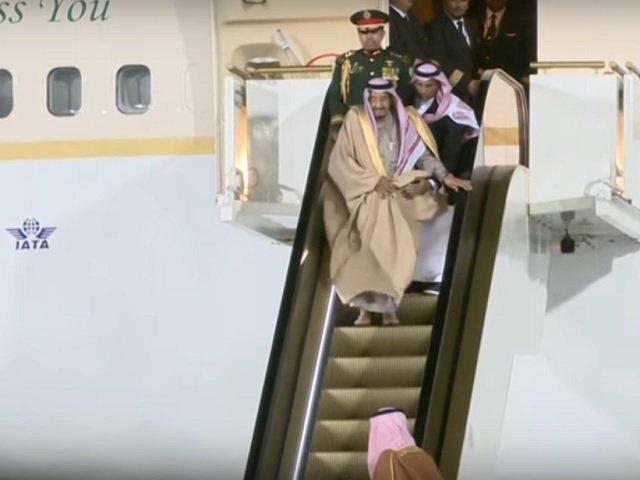 [VIDEO] Scarile rulante din aur ale monarhului saudit s-au stricat