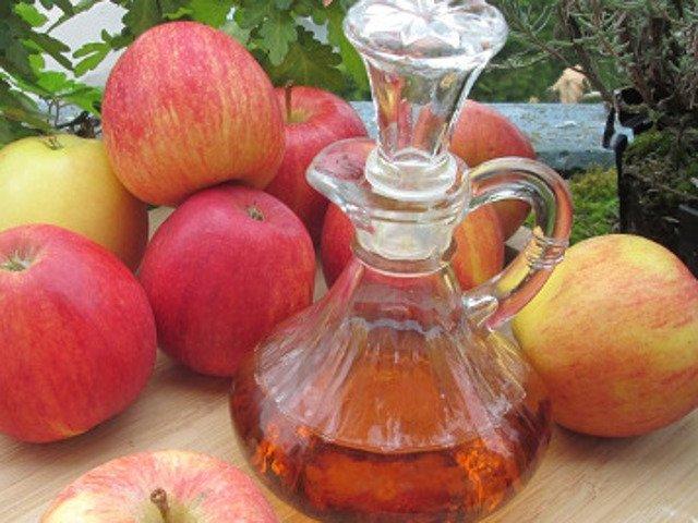 10 beneficii ale otetului de mere care te vor face sa-l folosesti mai des