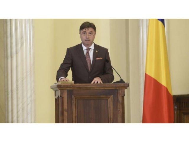 Ministrul pentru Relatia cu Parlamentul Viorel Ilie ramane in functie