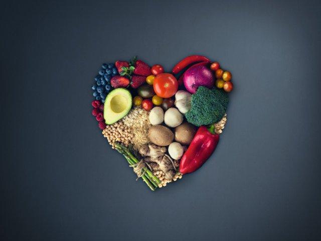 Studiu: Europenii irosesc peste 4 kg de alimente lunar