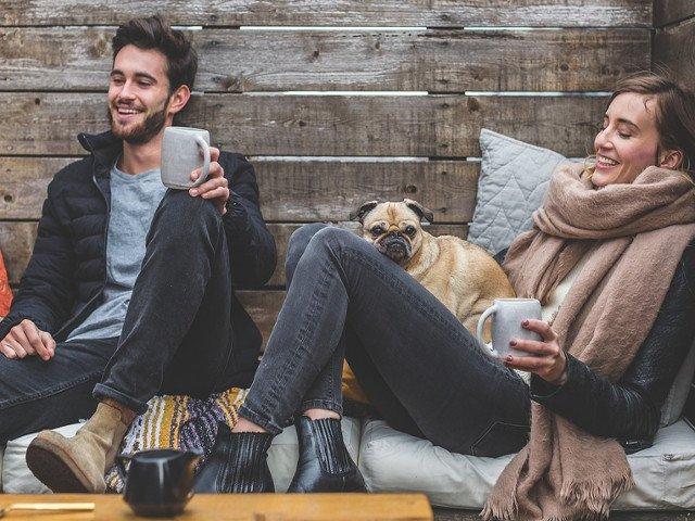 Umorul, secretul unui cuplu fericit! 10 glume care vor inveseli persoana iubita