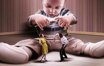 9 ilustratii realiste care descriu fata urata a societatii noastre