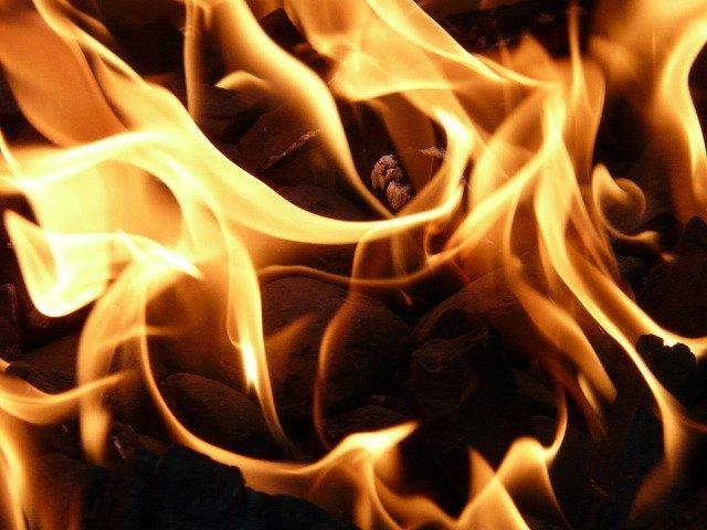 Incendiu puternic la o vopsitorie din Prahova