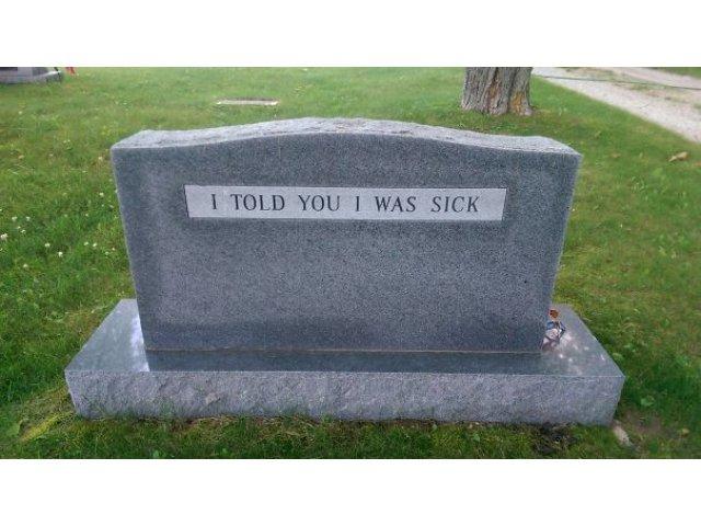 Umor... macabru! 10+ mesaje de pe pietre funerare care te vor face sa zambesti