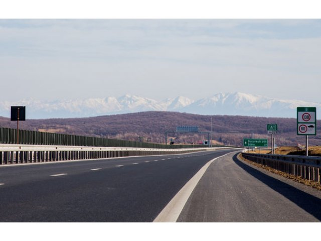 "Noi probleme pe autostrada ""demolata"": fisuri, crapaturi si denivelari pe un tronson de 70 de metri de pe Sibiu-Sebes"