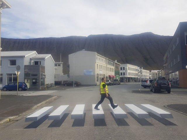 [VIDEO] Islandezii au treceri de pietoni 3D. Cum arata si ce rol au