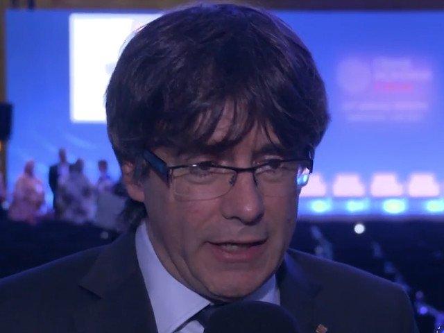 "Puigdemont indeamna la o ""incetinire"" a independetei catalane in vederea evitarii unor tulburari"