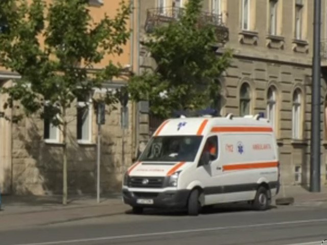 Ancheta dupa ce un barbat a murit intr-o ambulanta care il transporta intre doua spitale