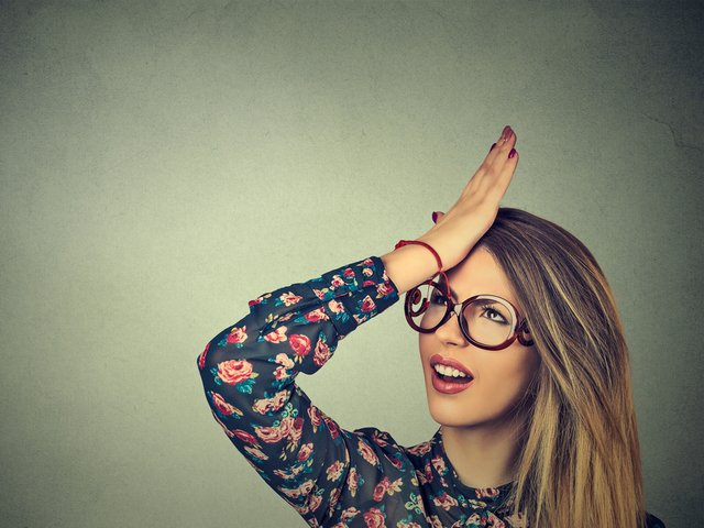 Probabil cei mai ghinionisti oameni: 8 decizii gresite care au fost regretate imediat