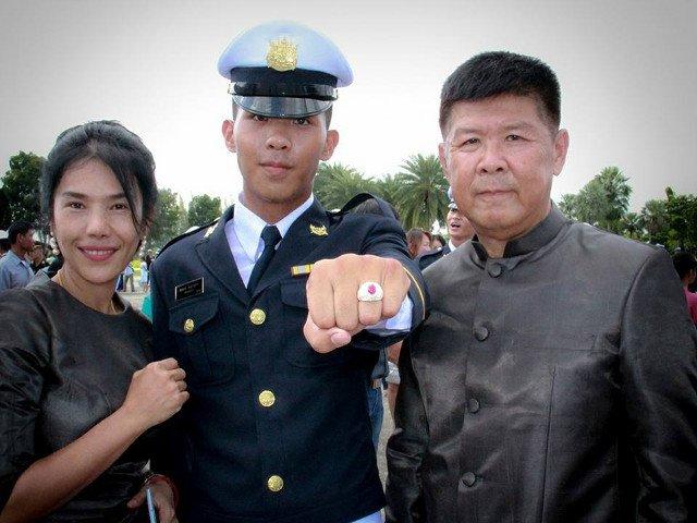 Familia unui cadet thailandez cere explicatii oficialilor militari, dupa moartea tanarului de 18 ani