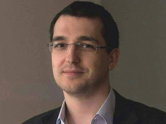 Vlad Voiculescu critica numirea lui Laurentiu Mihai la conducerea CNAS