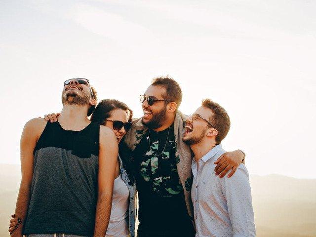 Prietenii falsi sunt o piedica in calea fericirii tale. 5 semne prin care ii recunosti