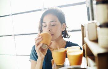 Aromaterapie: 6 mirosuri care relaxeaza si alunga stresul cotidian