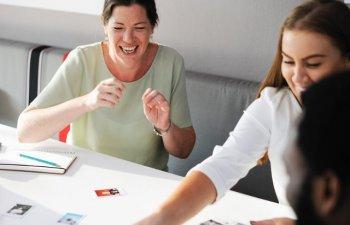 7 feluri in care ii poti face pe oamenii din jurul tau sa te placa