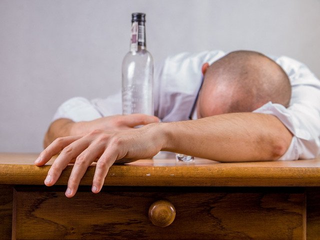 Cum sa scapi rapid de mahmureala? 8 remedii eficiente