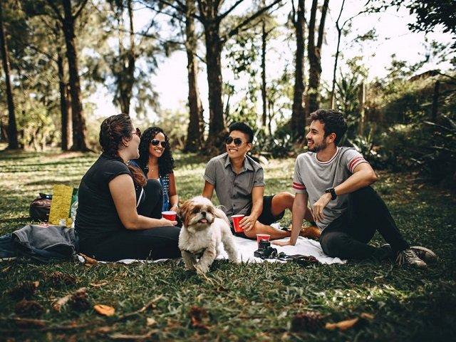 5 tipuri de prieteni-problema pe care ar trebui sa ii indepartezi