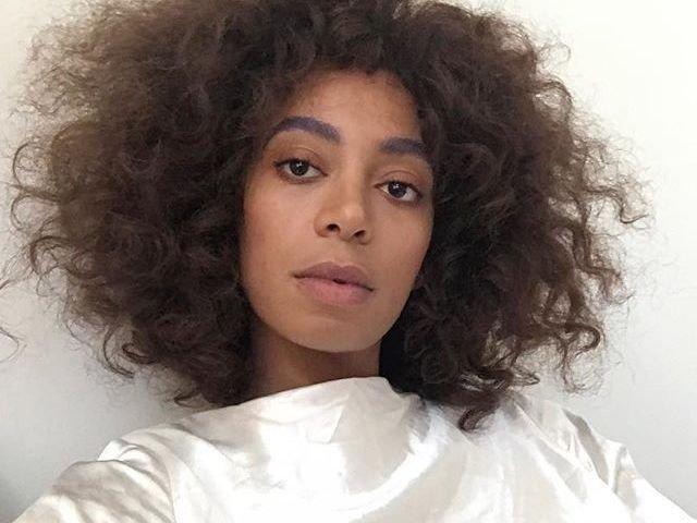 Solange Knowles, sora mai mica a artistei Beyonce, a marturisit ca sufera de o tulburare a sistemului nervos