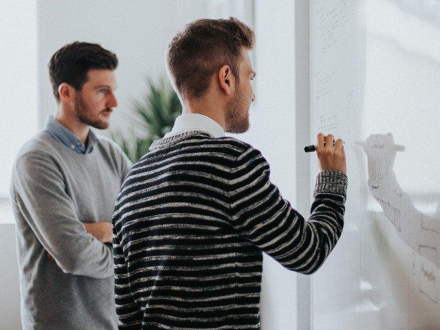 Studiu: Perfectionismul, din ce in ce mai raspandit in randul tinerilor in ultimii 30 de ani