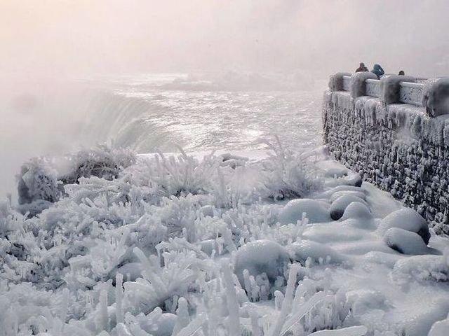 Val de frig extrem in Statele Unite: 10 imagini care surprind frumusetea de gheata