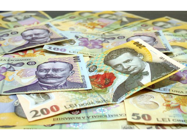 Caras-Severin: Un batran pacalit ca s-au schimbat banii a ramas fara 13.800 lei si zece galbeni