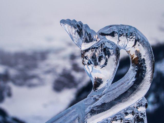 Pura splendoare in mijlocul iernii! 10+ cele mai impresionante sculpturi de gheata